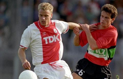 Cau chuyen ve nguoi Ha Lan khong bay Dennis Bergkamp cua Arsenal hinh anh 2