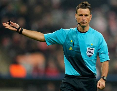 Trong tai Mark Clattenburg bat chinh tran chung ket Champions League hinh anh 2