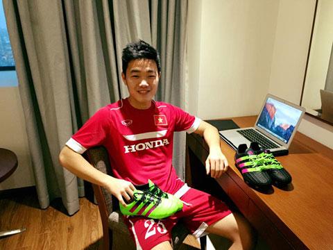 Xuan Truong cung duoc tai tro boi Adidas Han Quoc