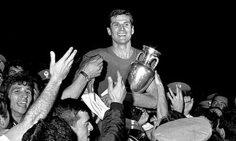 Chung ket Euro 1968 Italia 2-0 Nam Tu (cu) hinh anh