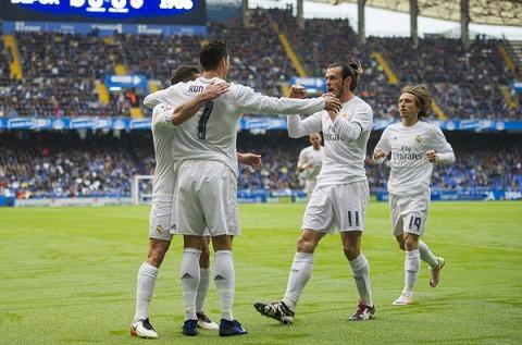 Deportivo 0-2 Real Khep lai hom nay de mo ra ngay mai hinh anh