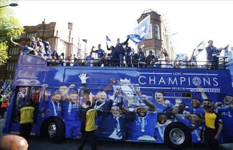Chiec xe bus cua Leicester voi bo canh moi