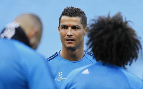 Ronaldo Man City gan nhu khong co diem yeu hinh anh