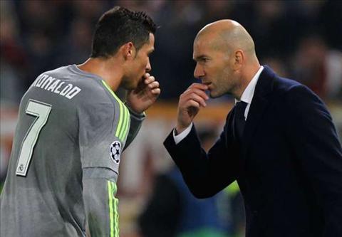 Ronaldo muon HLV Zidane gan bo lau dai voi Real Madrid hinh anh