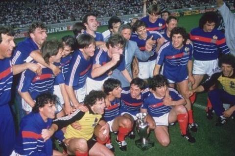 Chung ket Euro 1984 Phap 2-0 Tay Ban Nha hinh anh