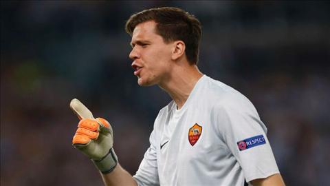 Arsenal dong y ban dut Szczesny cho Roma hinh anh