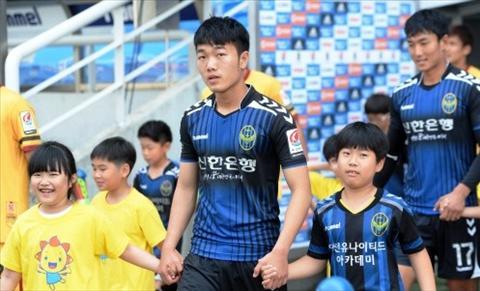 Xuan Truong va nga re o K-League Su menh nguoi tien phong hinh anh