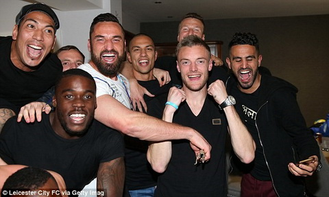 Trung ve John Terry Se co them nhung Leicester trong tuong lai hinh anh