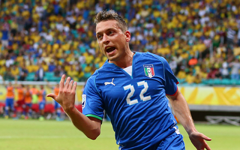 Tien ve Emanuele Giaccherini to tinh voi Chelsea hinh anh 2