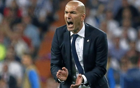 Ro beo het loi khen ngoi HLV Zidane hinh anh