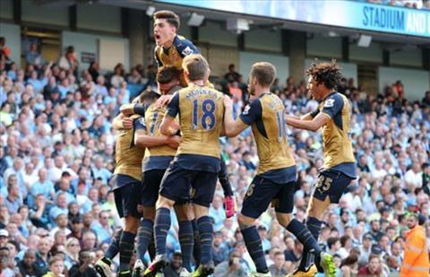 Arsenal vo dich Premier League hinh anh 2