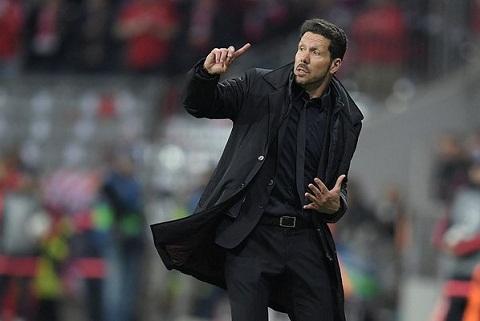 HLV Diego Simeone tri an cac hoc tro