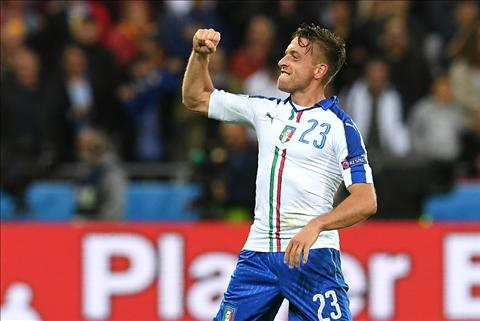 Tien ve Emanuele Giaccherini to tinh voi Chelsea hinh anh
