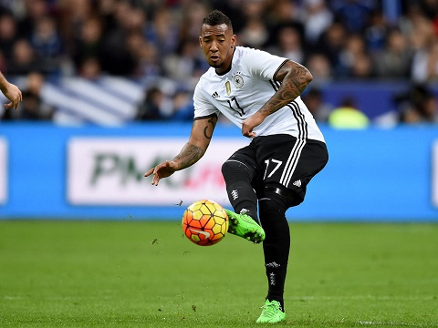 Trung ve Jerome Boateng Thoi gian o Man City that kinh khung hinh anh 2