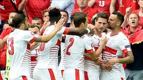 Cuc dien bang A VCK Euro 2016 truoc loat tran cuoi cung hinh anh 2