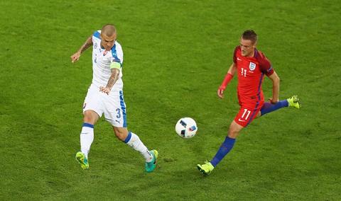 Du am Anh 0-0 Slovakia Tuyet voi Skrtel hinh anh