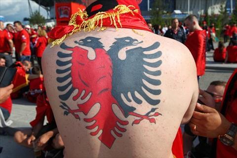 Mua hinh xam tren cac khan dai Euro 2016 hinh anh 9