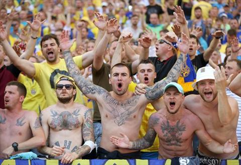 Mua hinh xam tren cac khan dai Euro 2016 hinh anh