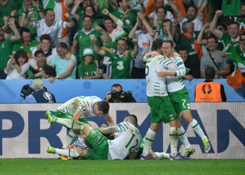 CH Ireland lan dau tien vuot qua vong bang Euro. Anh: Reuters