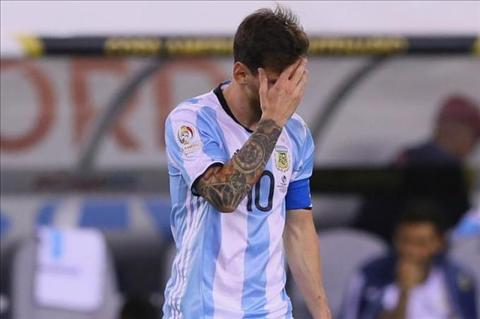 Buc tam thu lay dong tam can xin Messi o lai DT Argentina hinh anh