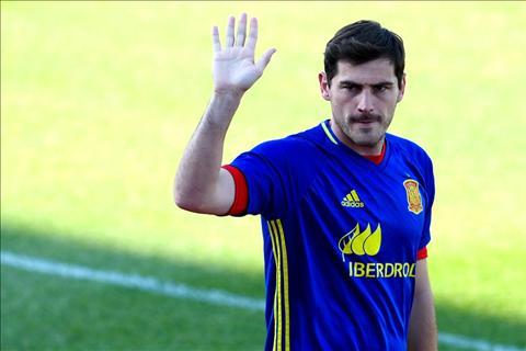 Casillas ung ho ke hoach chia tay DTQG cua Trung ve Gerard Pique hinh anh 2
