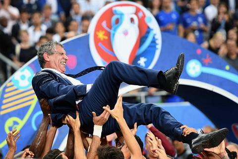 HLV Fernando Santos va bi quyet lam nen lich su cung BDN tai EURO 2016 hinh anh 2