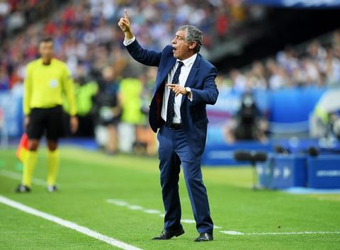 HLV Fernando Santos va bi quyet lam nen lich su cung BDN tai EURO 2016 hinh anh