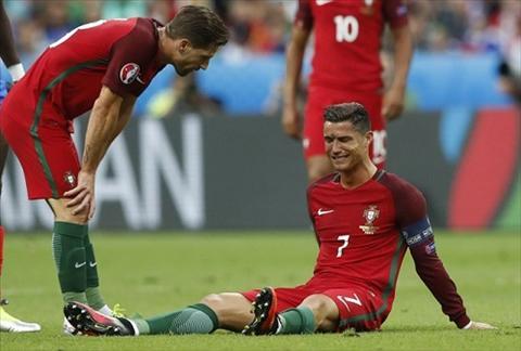 Nuoc mat Cristiano Ronaldo va cong ly cho Bo Dao Nha hinh anh