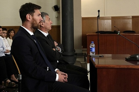 Dung nhu Messi, hay nhu Ronaldo! hinh anh 2