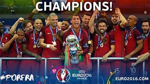 Huyen thoai Duc viet thu ngo che nha vo dich Euro 2016 hinh anh 2
