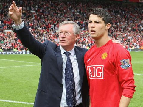 Ky uc Nguoi cha Sir Alex va nhung don roi danh cho dua con cung Ronaldo hinh anh