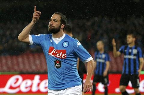 Chu tich Napoli canh bao Juventus va Higuain hinh anh