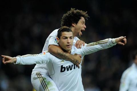Dong doi mong phep mau den voi chan thuong cua Ronaldo  hinh anh 2