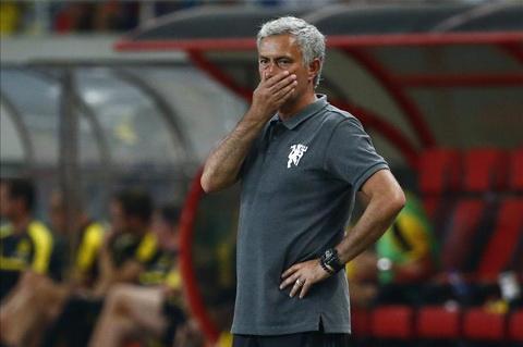 HLV Jose Mourinho yeu cau hang tien ve M.U phai quyet liet hon nua.