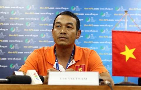 U16 Viet Nam dung chieu doc, U16 Australia run ray hinh anh