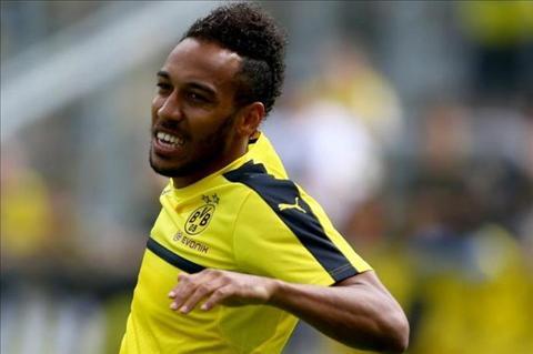 Aubameyang tiet lo diem den duy nhat neu roi Dortmund hinh anh