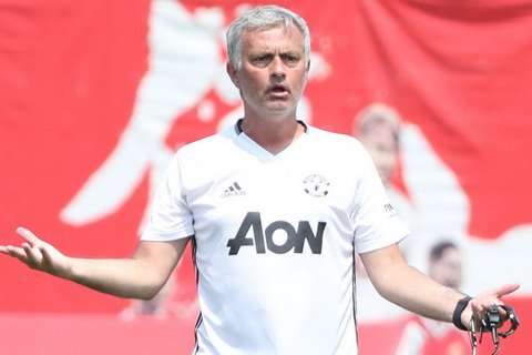 Mourinho muon MU roi Trung Quoc cang som cang tot hinh anh