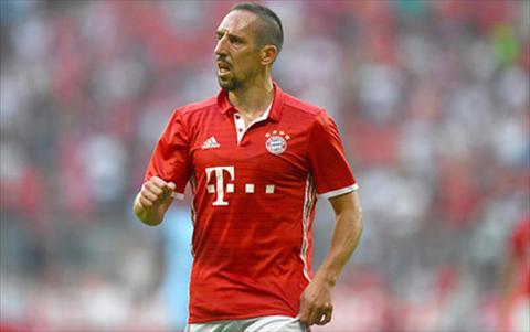 Tien ve Franck Ribery dinh chan thuong hinh anh