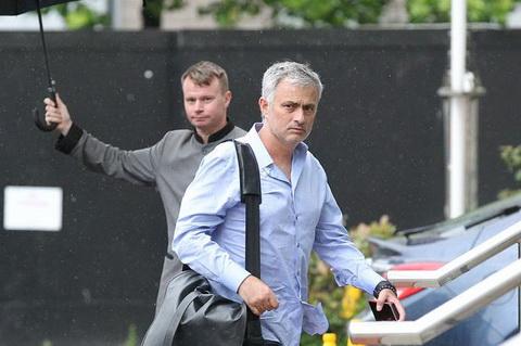 Mourinho pho phac ra ve sau ngay lam viec dau tien o MU hinh anh