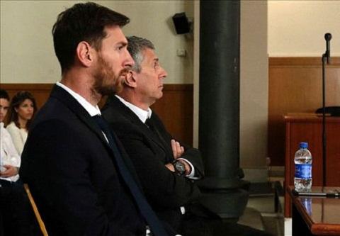 Fan Ronaldo tung anh che nhao Messi ngoi tu 21 thang hinh anh