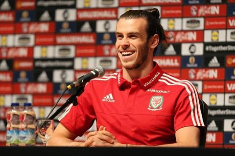Ronaldo va Bale xung vuong tren Facebook mua Euro hinh anh