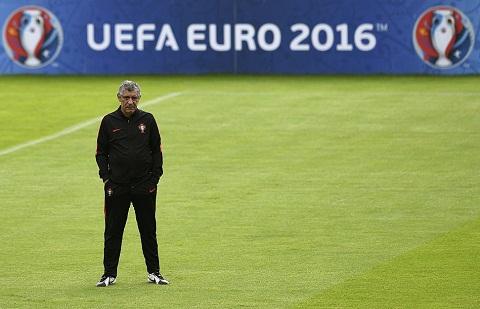Fernando Santos Ong la tien tri hay phu thuy hinh anh