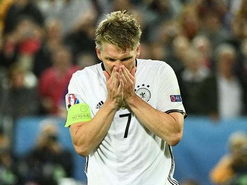Toi do Schweinsteiger gui tam thu sau that bai cua DT Duc o Euro 2016 hinh anh