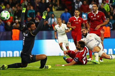 Real 3-2 Sevilla Nhung trang phao tay cho Sevilla va Sampaoli hinh anh 3