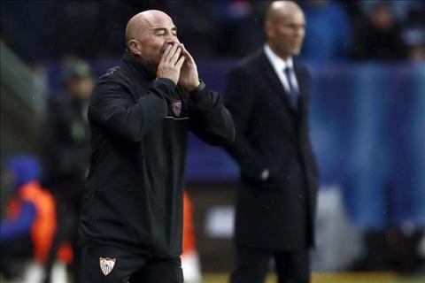 Real 3-2 Sevilla Nhung trang phao tay cho Sevilla va Sampaoli hinh anh