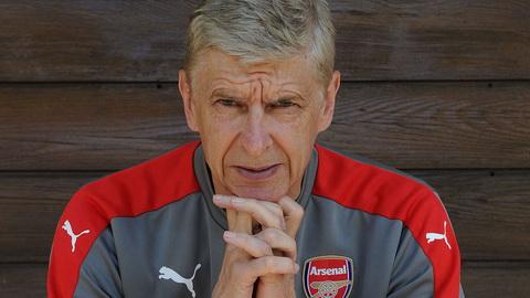 Wenger nhan xet ve su dien ro cua thi truong chuyen nhuong sau vu Pogba.