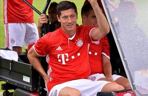 Chuyen nhuong Arsenal Mua Lewandowski de lay long Ozil hinh anh 2