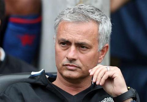Vi tai nang tre nguoi Bi, Mourinho nuot loi hinh anh 2