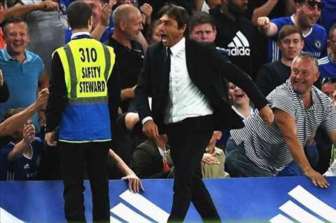 HLV Conte khong ban tien ve Cesc Fabregas hinh anh 2