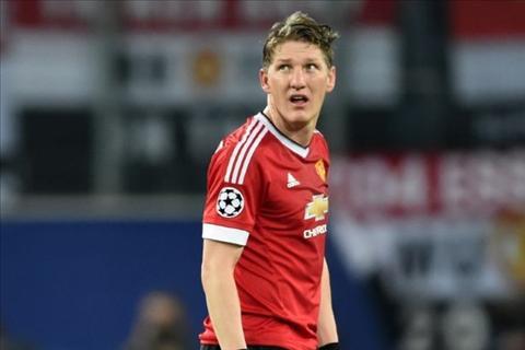 MU dang ky danh sach tham du Premier League 201617 Van co ten Schweinsteiger hinh anh